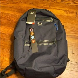 NWT OGIO Shadow Core Flux 220 Backpack